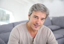 homme de 50 ans